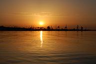 Закат. Морской торговый порт